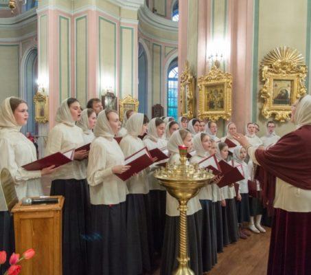 21 июня молодежный хор собора принимает участие в онлайн-фестивале древних песнопений «Истоки»